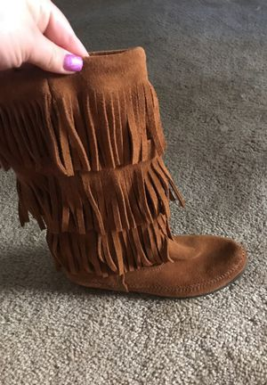 Minnetonka fringe boots for Sale in Miamisburg, OH