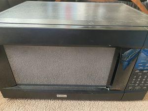 Microwave kenmore semi nuevo for Sale in Whittier, CA