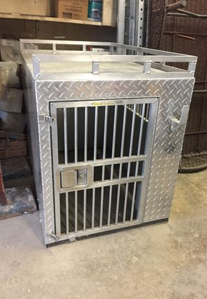 Kostum krate dog box large for Sale in Silver Spring, MD