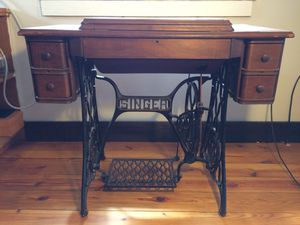 Antique Sewing Machine for Sale in Charles Town, WV