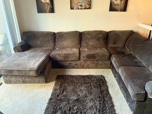 Large Sectional Couch (chocolate; microfiber) SOFT for Sale in Fresno, CA