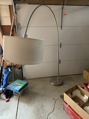 Floor lamp for Sale in Morgan Hill, CA