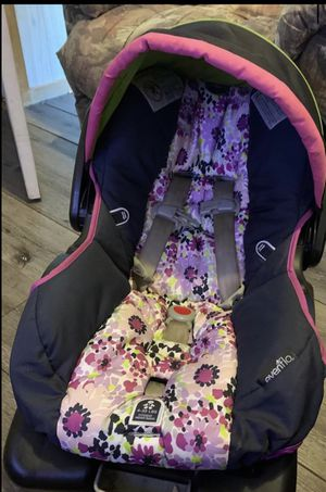 Infant car seat for Sale in WILIAMSBG Township, ME