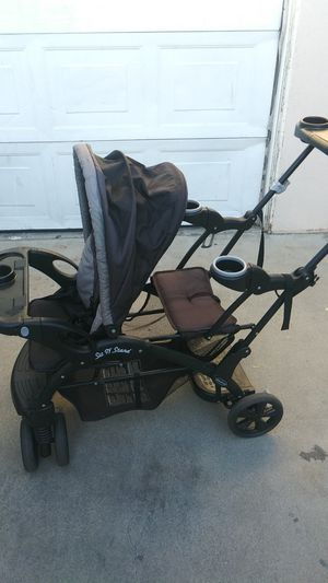Two-seated stroller for Sale in Irwindale, CA