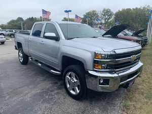 2019 Chevy Silverado 2500HD LT 4WD for Sale in Libertyville, IL