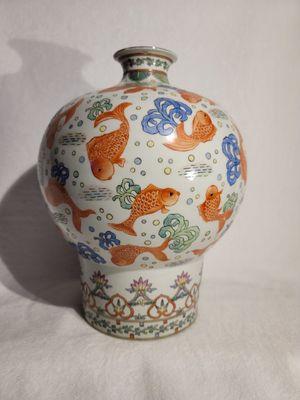Decorative flower vase 🔵 for Sale in Marlborough, MA