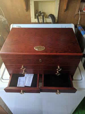 Thompson Cigar Humidors with accessory drawer for Sale in Tampa, FL