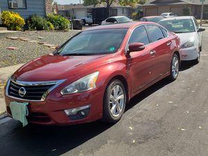 Nissan altima 2013 titulo limpio unico dueno tiene GPS quema cocos y tiene 73 mil millas for Sale in Sunnyvale, CA