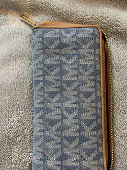 Michael Kors Wallet for Sale in Glen Burnie,  MD