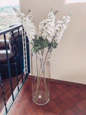 Floor Vase with White Faux Flower Stems for Sale in Federal Way, WA