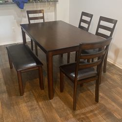 Dinning Table Set for Sale in Azusa,  CA