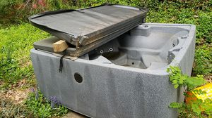 Hot tub for Sale in Bailey's Crossroads, VA