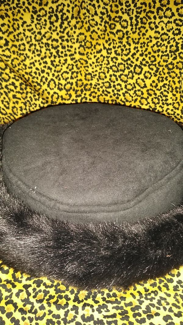 WOMEN'S WINTER HAT ONE SIZE FITS MOST