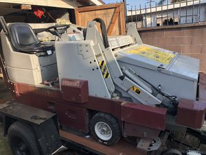 2005 floor Scrubber Sweeper Sale or trade for Sale in South Gate, CA