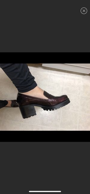 Jane and the Shoe, heeled penny loafers, women's 7.5 for Sale in W CNSHOHOCKEN, PA