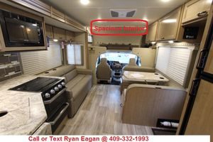 NEW 2020 Thor Four Winds 27R Class C Gas Motorhome for Sale in Alvin, TX