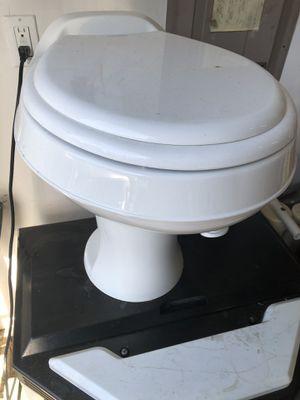Dometic 300 rv toilet for Sale in Bonney Lake, WA
