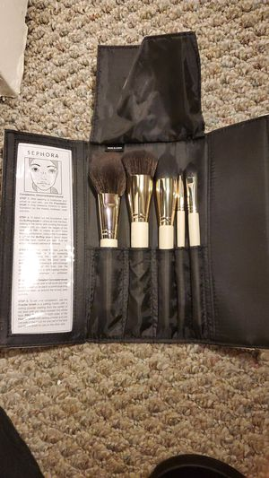 Sephora makeup brush all day kit in white case for Sale in Seattle, WA