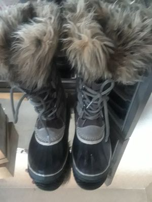 Sorel boots size 8 for Sale in Washington, DC