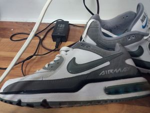 NIKE AIRMAX SIZE 9.5 for Sale in Peoria, IL