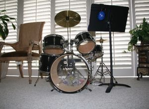 GENTLY USED KIDS BLACK CB DRUM KIT for Sale in Los Angeles, CA