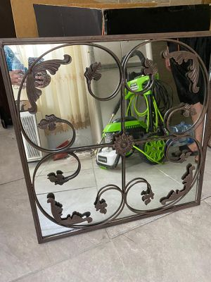Mirror for Sale in Dearborn Heights, MI
