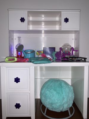"""18"""" doll desk for Sale in Midland, TX"""