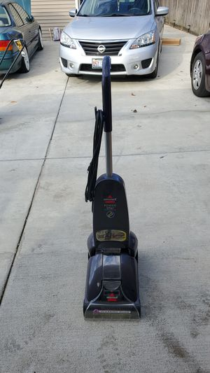 Bissell carpet cleaner machine for Sale in Elgin, IL