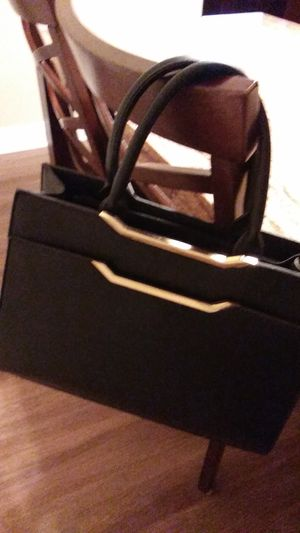 Black leather bag for Sale in Gulfport, MS