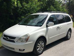 Very clean 2006 Kia Sedona EX Minivan for Sale in Hudson, FL
