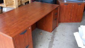 Office furniture set for Sale in Brighton, CO