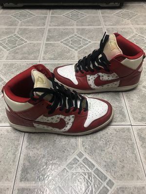 Supreme Dunks SB high red stars size 11 used off white for Sale in Los Angeles, CA