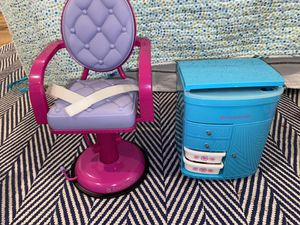 American girl doll salon chair in Salon cattie for Sale in Deerfield Beach, FL