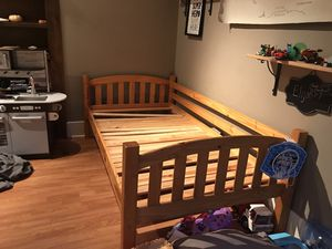 Wood Twin Bed for Sale in Pomona, CA