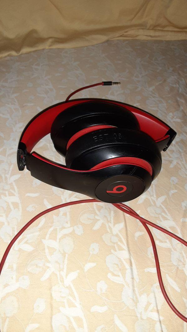 Beats studio 3 headphones 70$ or beat offer