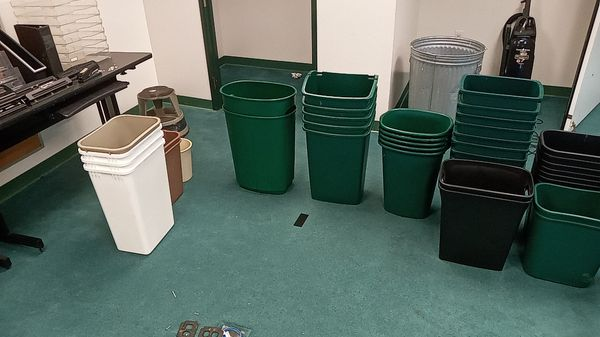 Trash cans of various sizes