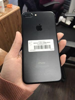 IPhone 7 plus 128gb unlocked warranty for Sale in Everett, MA
