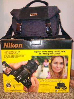 Nikon D5200 for Sale in Windsor, CT