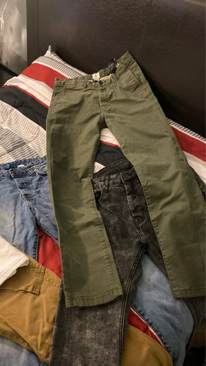 Mens Jeans and Mens Jogger (Sizes In Description) for Sale in Benicia, CA
