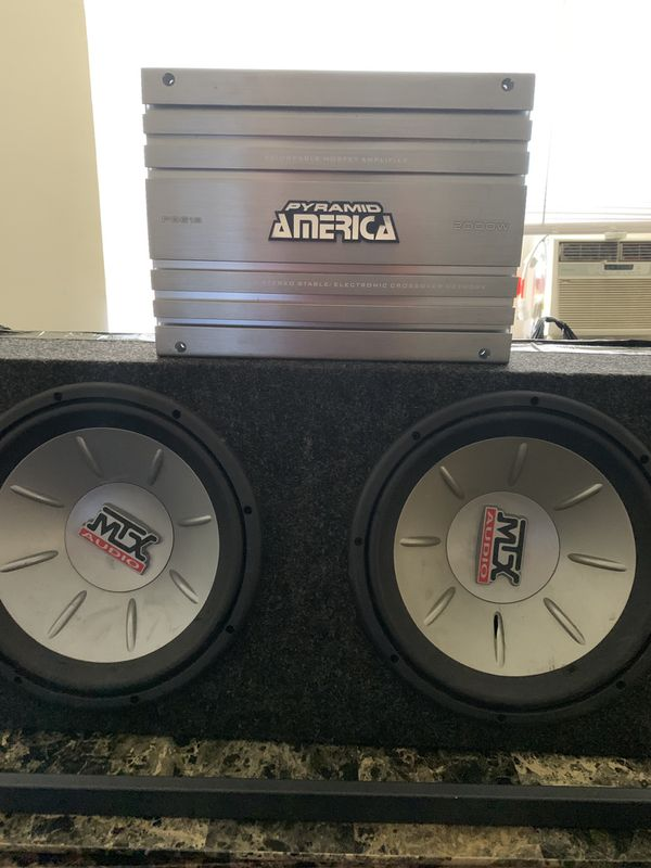 """2000 w 4 channel amp with 10"""""""" Subwoofers 100$$"""