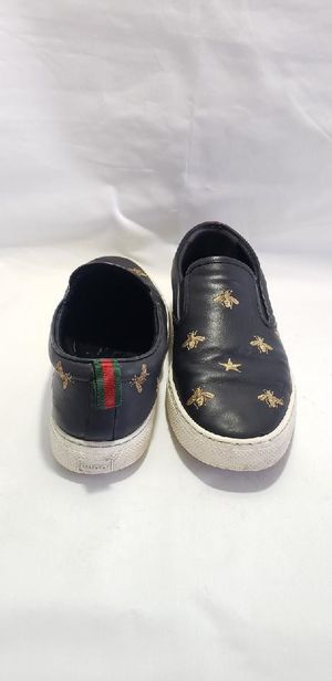 Authentic Gucci Men Bee Star Sneakers Slide Back Slip On Insects Black for Sale in Las Vegas, NV