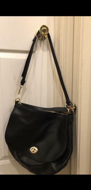 COACH bag for Sale in Cleveland, OH
