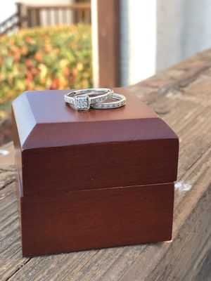 White Gold & Diamond Wedding Ring Set Size 7 for Sale in Escondido, CA