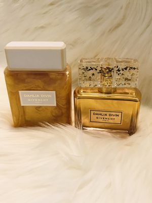 Dahlia Givenchy Perfume Set for Sale in Lakewood, CA