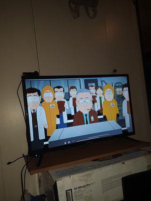 Element 32in Flatscreen TV for Sale in Spokane, WA