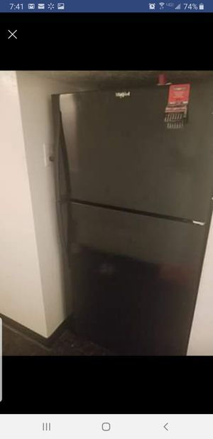Stove and Refrigerator for Sale in Cleveland, OH