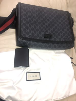 Brand New Authentic Male Gucci Messenger Bag for Sale in Fort Lauderdale, FL