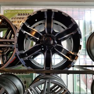 Looking for a Tire Technician for Sale in Seguin, TX