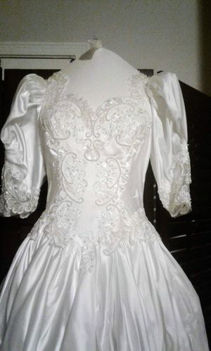 Beautiful Wedding dress for Sale in St. Helens, OR