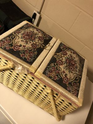 Sewing basket for Sale in North Olmsted, OH